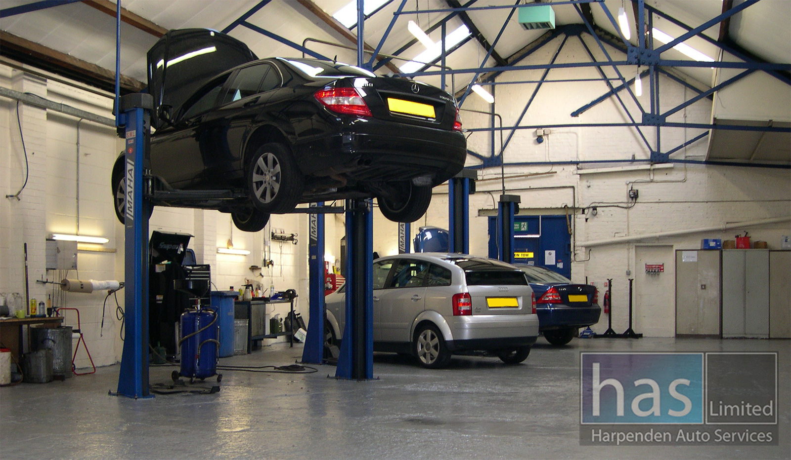 harpenden auto services limited workshop area